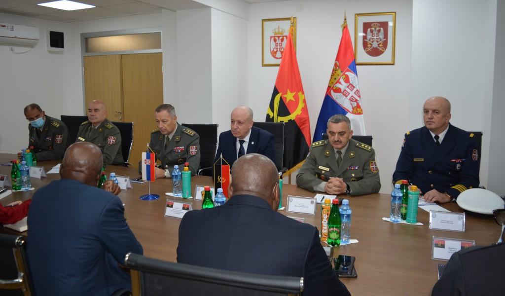 Делегеција МНО Републике Анголе у посети Универзитету одбране