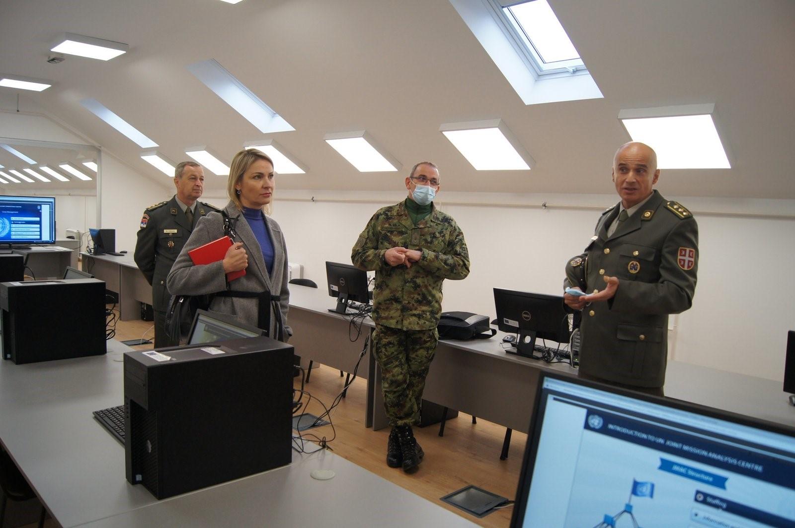 Делегација Сектора за људске ресурсе МО посетила је Школу националне одбране Универзитета одбране